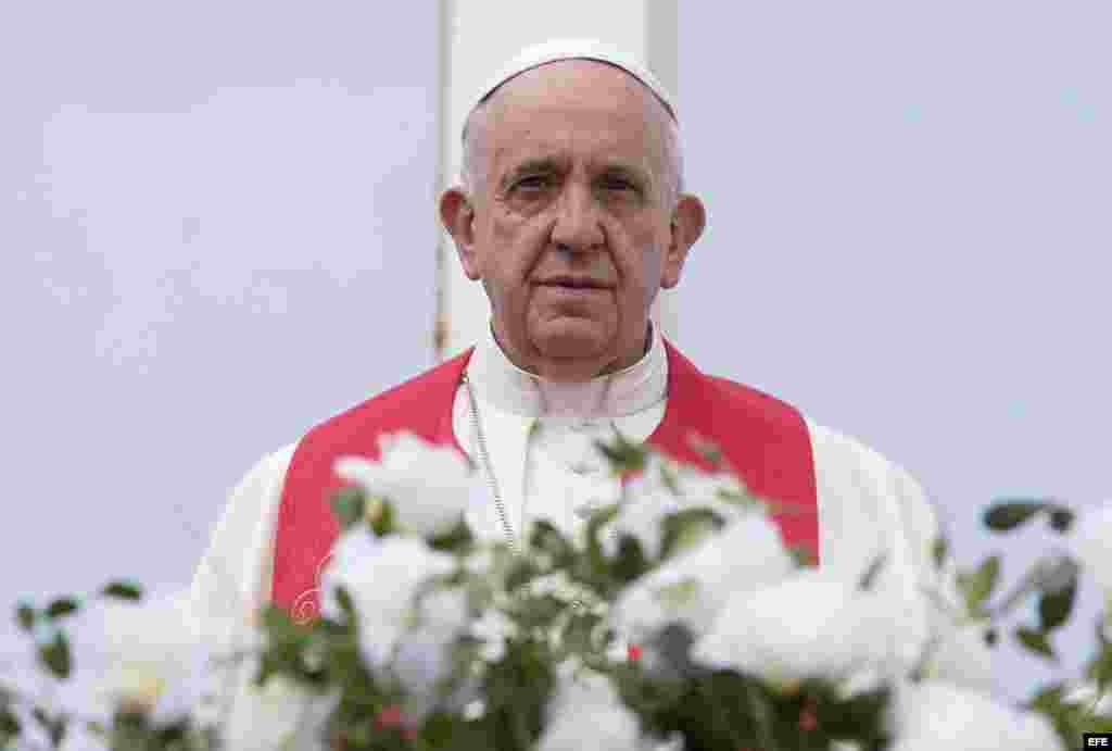 Bendición Papal a toda la ciudad de Holguín.
