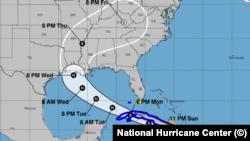 La tormenta tropical Laura a las 11 pm del 23 de agosto de 2020; proyección del Centro Nacional de Huracanes con sede en Miami.