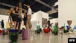 Obras expuestas en la undécima feria Art Basel de Miami Beach