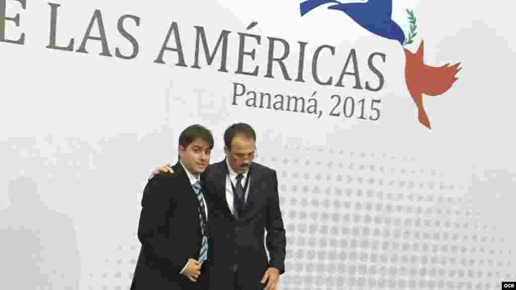 Alejandro Castro Espín junto a Abel E. González Santamaría en la Cumbre de Panamá 2015