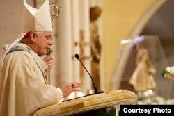 El Arzobispo de Miami, Thomas Wenski.