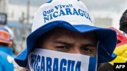 Una manifestación anti-Ortega frente a la Embajada de Nicaragua en Costa Rica, el 27 de febrero de 2019. (Ezequiel Becerra / AFP).