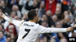 Cristiano Ronaldo celebra su gol frente al Granada