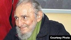 Tras varias operaciones para salvarlo de una crisis intestinal Fidel Castro nunca ha vuelto a ser el mismo.