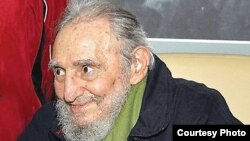 Tras varias operaciones para salvarlo de una crisis intestinal Fidel Castro nunca volvió a ser el mismo.