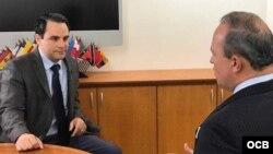 El embajador de Estados Unidos en la OEA Carlos Trujillo en entrevista con Tomás N. Regalado de TV Martí.