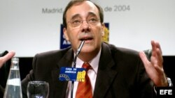 Carlos Alberto Montaner acerca del futuro y la Democracia en Cuba