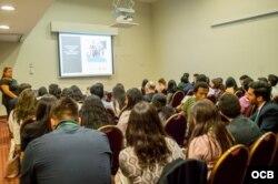 Participantes en Informe de la Juventud Cubana 2019 en Lima, Perú