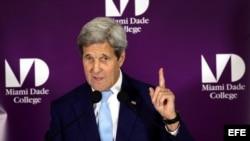 El secretario estadounidense de Estado, John Kerry, durante su discursoe n el Miami-Dade College