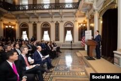 El Secretario del Tesoro, Steven Mnuchin en la apertura de América Crece