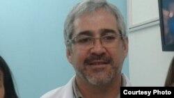 Doctor Ernesto Moya Retes.
