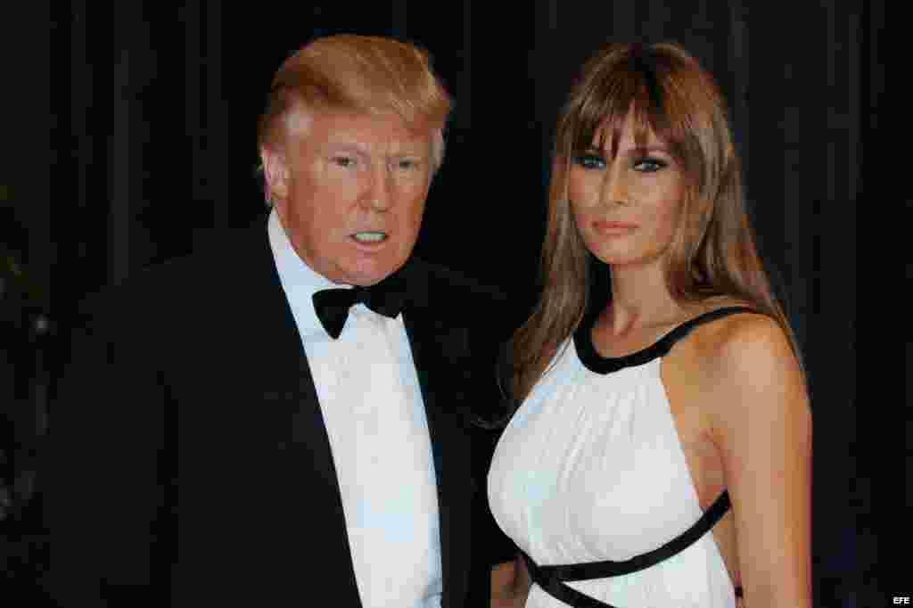 Trump y su esposa Melania a su llegada a la Cena de la Asociación de Corresponsales de la Casa Blanca, en abril de 2011.