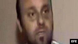 Imagen capturada de una emisión de la televisión turca NTV hoy, lunes 27 de agosto de 2012, del cámara de televisión turco Cuneyt Unal entrevistado en un lugar sin localizar de Siria tras ser secuestrado. EFE/Anadolu Agency