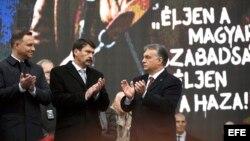 Los líderes húngaros durante un acto de conmemoración del 60 aniversario de la liberación de Hungría de la opresión soviética. EFE
