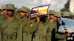 Jóvenes soldados cubanos. (Archivo)