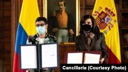 La ministra de Asuntos Exteriores de España, Arancha González Laya, y la canciller colombiana, Claudia Blum