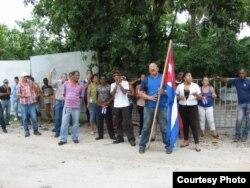 Hablemos Press muestra turbas policiales durante acto de repudio