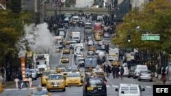 El tráfico vuelve parcialmente a la normalidad en Nueva York este jueves 1 de noviembre de 2012.