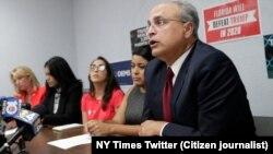 Francisco Mora, profesor de FIU y experto en temas de América Latina. (Imagen de Twitter de NY Times).
