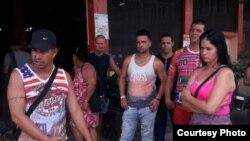 Migrantes cubanos en un albergue en Gualaca, provincia panameña de Chiriquí (Panamá América)