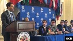 El embajador de EEUU ante la OEA, Carlos Trujillo, en el cierre de la Primera Cumbre Juventud y Democracia en las Américas. (Foto: Michelle Sagué)