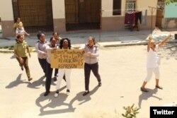 Arrestan a la líder de las Damas de Blanco Berta Soler, en el 144 domingo represivo contra el grupo opositor.