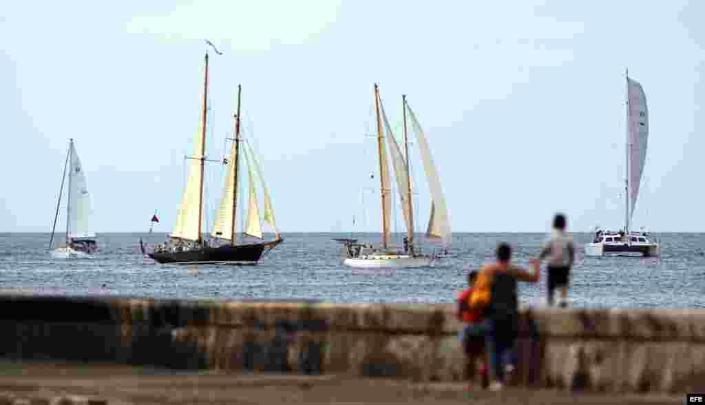 Aunque esta carrera náutica en la bahía de La Habana tuvo una edición anterior en noviembre de 2015, es la primera vez que se efectúa con la aprobación del gobierno de EEUU.
