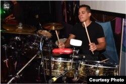 Edel Roque, director de Kentucky Salsa All Star.