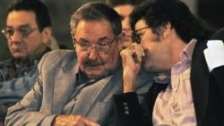Intelectuales cuestionan a Abel Prieto
