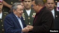 El periódico destaca que Cuba es el país que más depende económicamente de Venezuela.