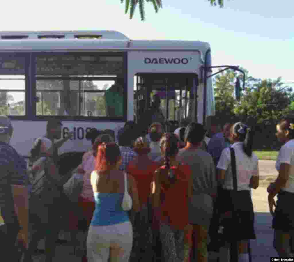 Reporta Cuba transporte en Manzanillo Foto Rudicel Batista