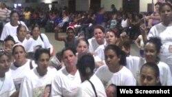Damas de Blanco.Terminal de La Coubre. Habana foto enviada por @hablemospress a través de twitpic