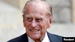 El príncipe Felipe de Gran Bretaña participa en el traslado del coronel en jefe de los rifles en el Castillo de Windsor en Gran Bretaña el 22 de julio de 2020. Foto Archivo: Reuters