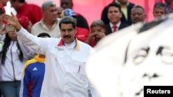 El mandatario de Venezuela, Nicolás Maduro, habla al público durante un mitin en Caracas, el 20 de mayo de 2019. (Reuters).