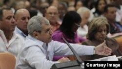Homero Acosta en el Congreso del PCC
