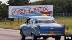 """El 14 de junio arrancó en Cuba el proceso de consultas para la """"construcción de un socialismo próspero y sostenible"""", con el que el gobierno busca democratizar su nuevo evangelio."""