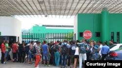Cubanos en la estación migratoria de Tapachula, Chiapas.