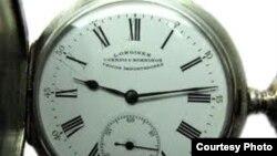 Reloj Longines de 1908 importado por la joyería habanera Cuervo y Sobrinos. Si estuviera en Cuba podría pasar a ser propiedad del Estado.