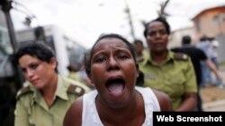 Imagen de una detención en Cuba, país de gobierno dictatorial electo al Consejo de Derechos Humanos de la ONU.
