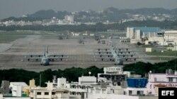 Vista general de la base aérea Futenma de la Marina de Estados Unidos en Ginowan, en la isla de Okinawa (Japón).