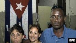 """El disidente cubano Jorge Luis García Pérez (der), conocido como """"Antúnez"""". EFE/Stringer"""