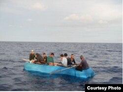 EEUU repatrió a 232 cubanos interceptados en el mar.