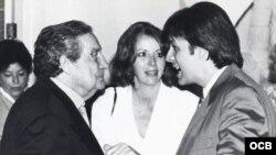 Orlando González Esteva junto a Octavio Paz