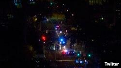 La policía investiga la escena del crimen. (@bugsyrafael)