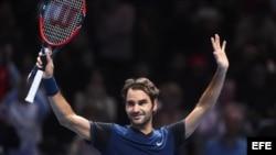 Federer celebra su triunfo sobre Wawrinka.