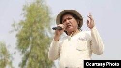 El poeta Khet Thi.