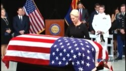 EEUU rinde honores al Senador John McCain