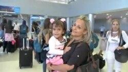 Llega a Miami, Alexa, la niña que perdió las piernas por negligencia médica