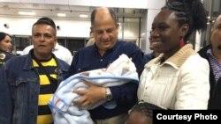 Despedida en Costa Rica a los refugiados cubanos.