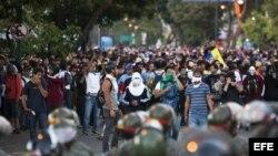 La oposición venezolana protesta en las calles.